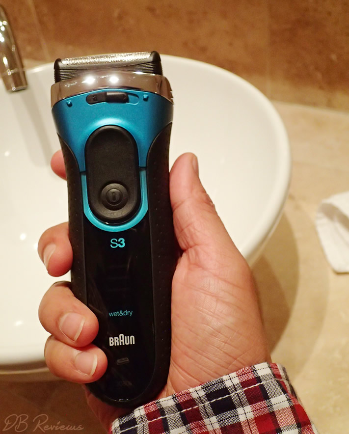 The Braun Series 3 3080s Re-chargeable Wet and Dry Electric Foil Shaver