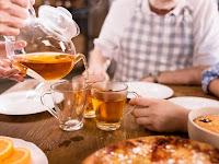 Kebersamaan Hangatkan Keluarga : 5 Manfaat Minum Teh Bersama Keluarga