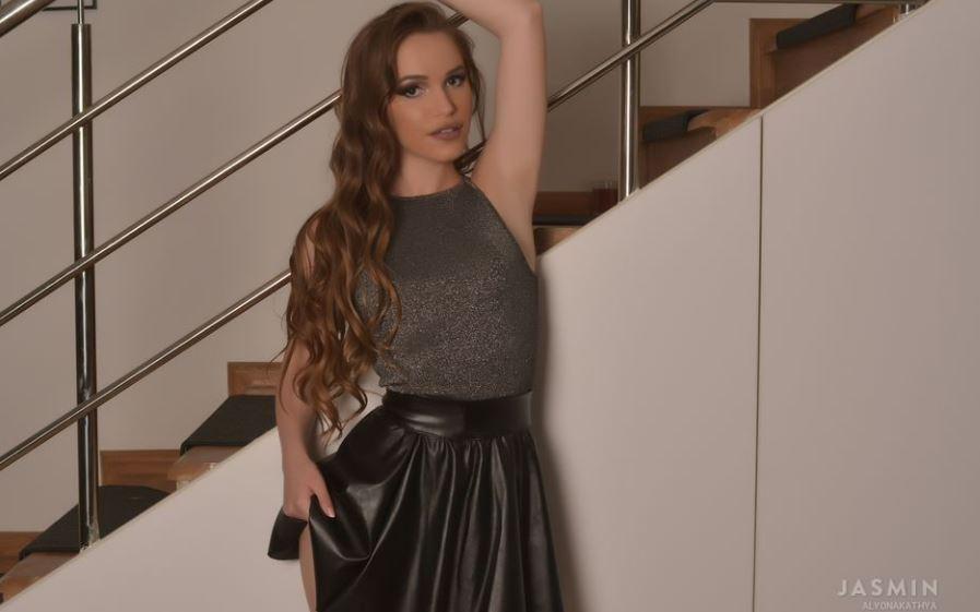 AlyonaKathya Model GlamourCams