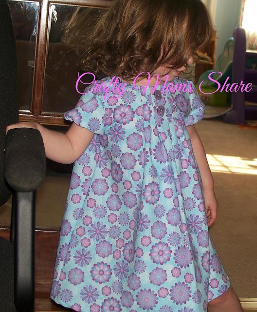 http://craftymomsshare.blogspot.com/2011/08/new-dresses.html