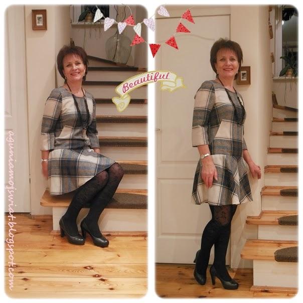 Cudna sukienka z tkaniny w kratkę a dół z koła