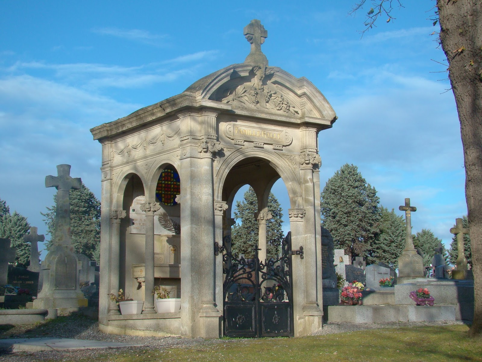 The Rallé Chapel at Eastern Cemetery (Rennes, France)