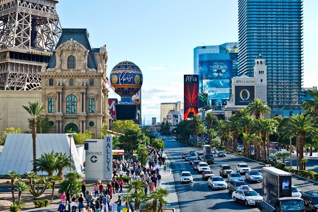 US officials advise tourists not to go to Las Vegas