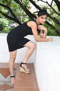 Selfie raja heroine Kamna Ranawat Pictures 043.jpg