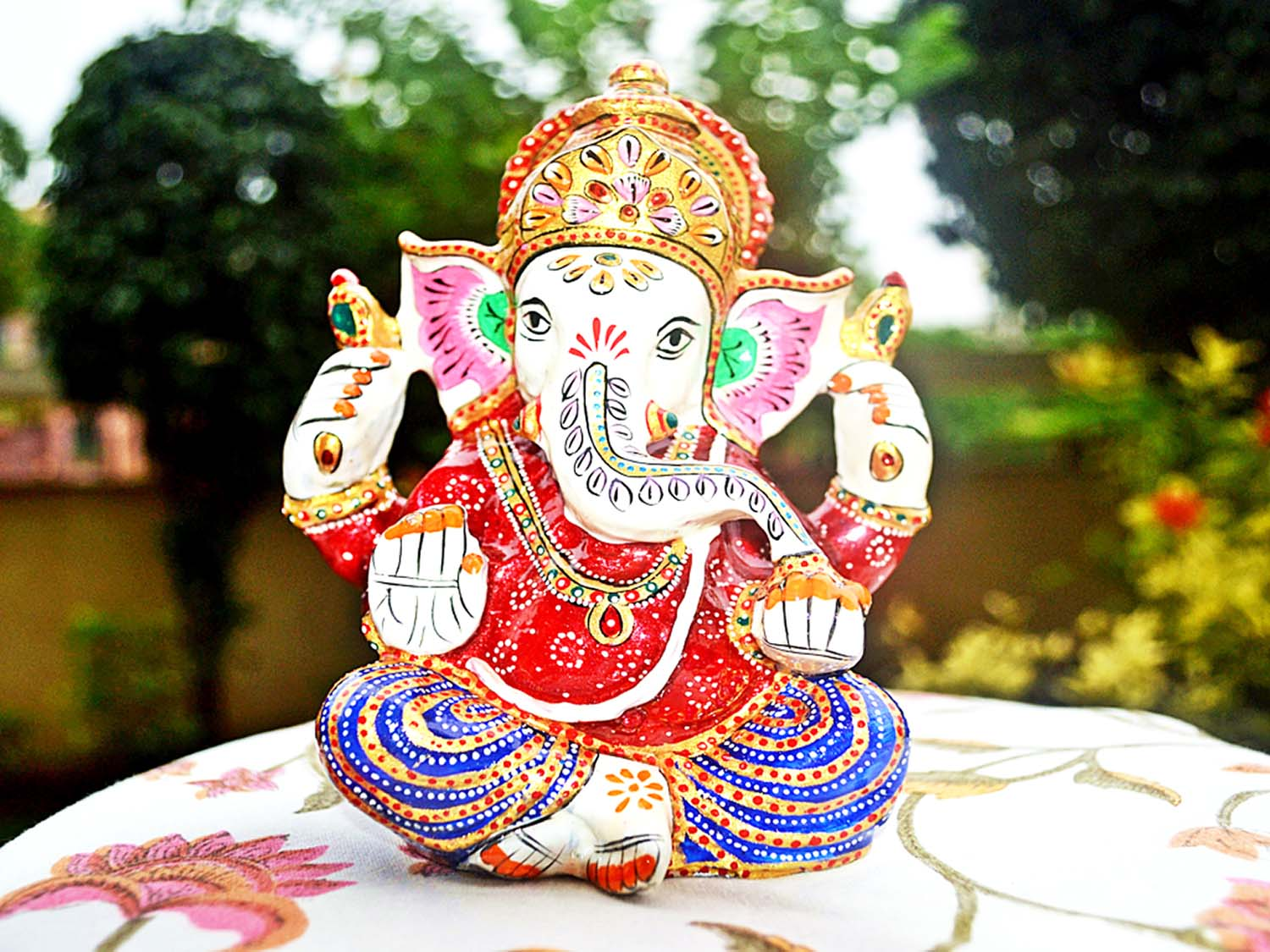 Download lovely Vinayak clay crafted image!