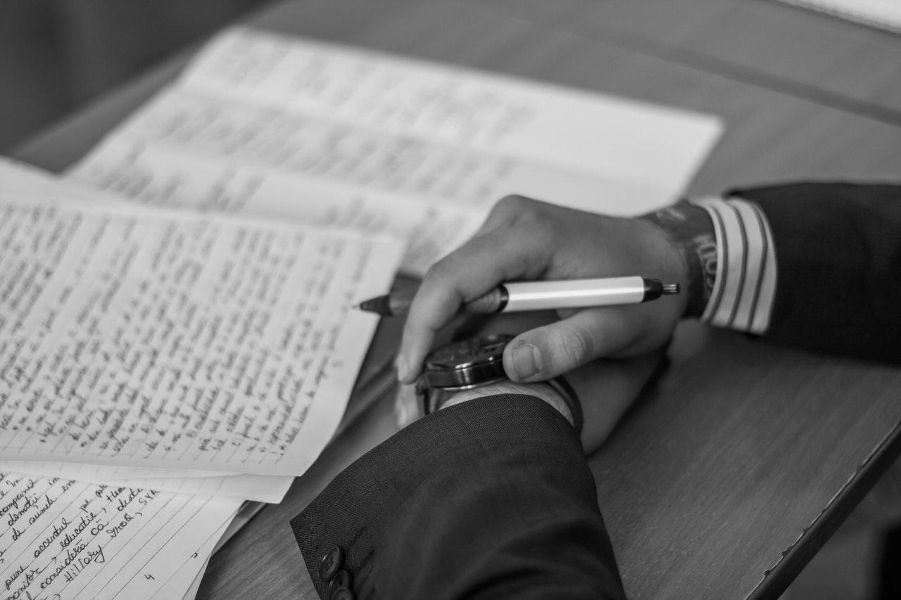 Tata cara penulisan paragraf deskripsi