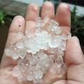 Breacking News:  Hujan Angin Disertai Es Landa Pakis, Sementara Beberapa Rumah di Mertoyudan Mengalami Kerusakan