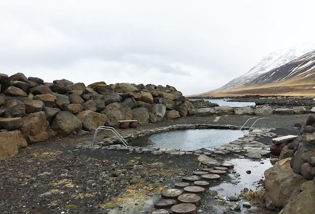Piscina de Grettislaug en Islandia