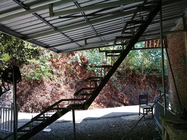 pembuatan-tangga-besi