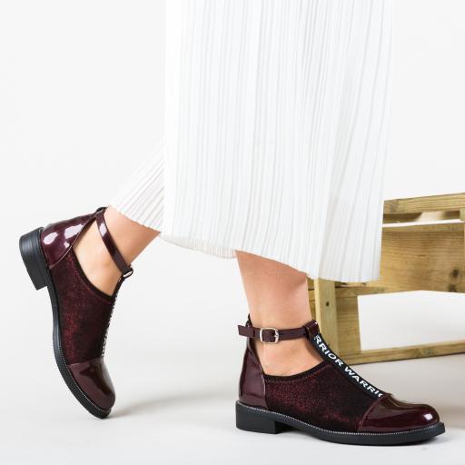 Pantofi casual fashion femei grena cu decupaje