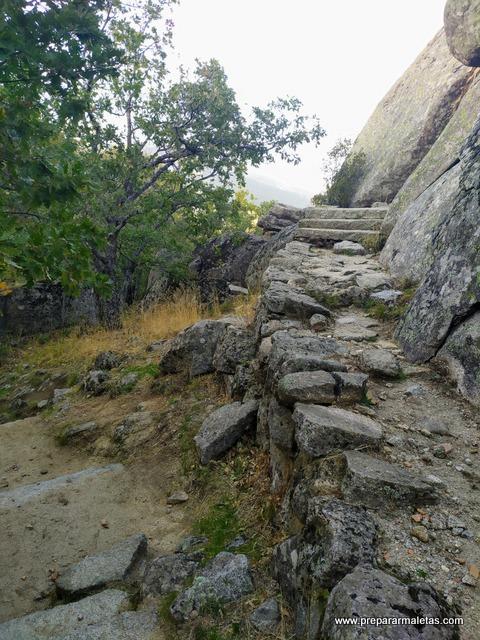 camino de subida a Las Machotas El Escorial