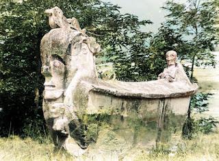 sarkofagus di huta naibaho samosir