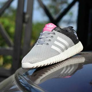 Sepatu Sport Adidas Yeezy Boost Abu-Abu [AYB-001]