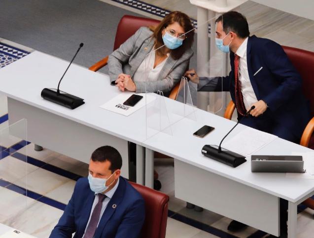 El PP sopesa dar a los expulsados de Vox la consejería de Educación de Murcia