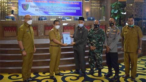 DPRD Rapat Paripurna Terkait Pandangan Umum Fraksi Terhadap Ranperda RPJMD Pessel