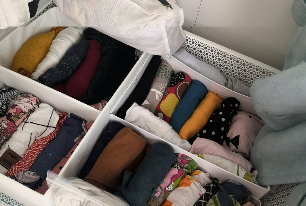 5 Nordic Kids Closet Organization Ideas - Marie Kondo folding