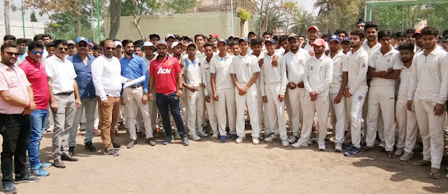 160 players from the District Cricket Association and from under-19 cricket team trio