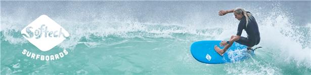 オーストラリアの人気ソフトボード「softech」で波乗りしている画像写真