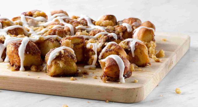 Papa John S Debuts New Cinnamon Pull Aparts Brand Eating