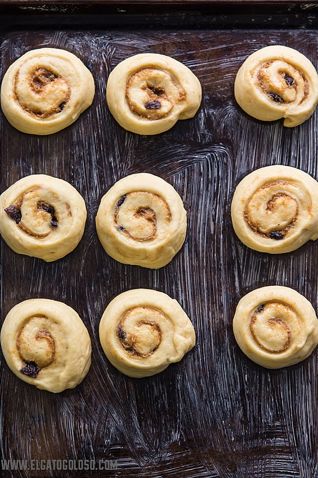 cinnamon rolls clásicos vía www.elgatogoloso.com