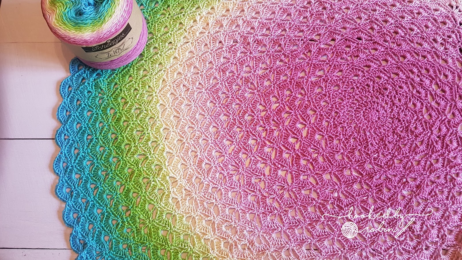 Lotus flower blanket free crochet circle blanket pattern and video light and airy yet incredibly warm izmirmasajfo