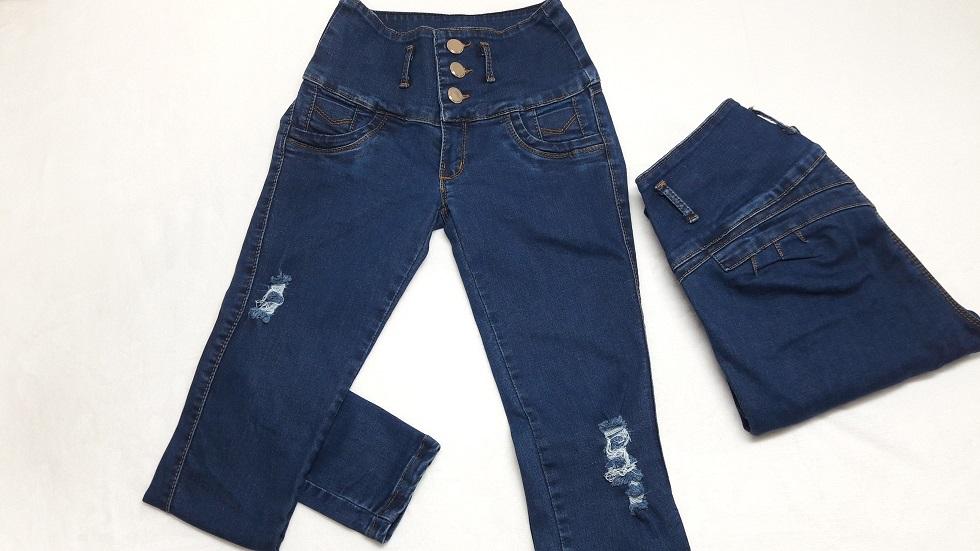 Modelo # 27 Pantalon Azul Medio con destrucción