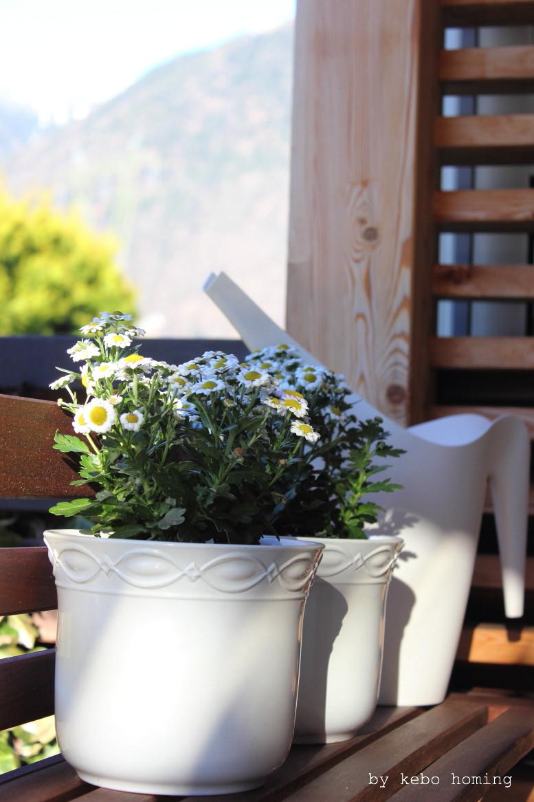 Ein Sitzplatz auf der Terrasse, Garten, Gartenmöbel, Terrassendekoration, Frühling beim Südtiroler Food- und Lifestyleblog kebo homing, #urbanjunglebloggers  #ikeaatmine  #ikea