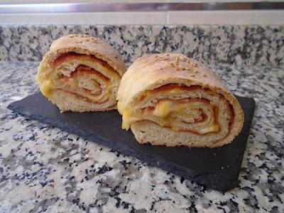 Rosca de jamón y queso