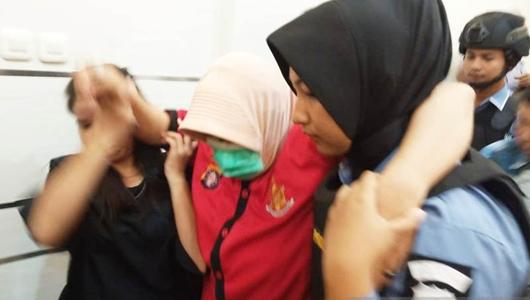 Tersangka Penyebar Ujuran Kebencian di Kalteng Pingsan Saat Digiring Polisi