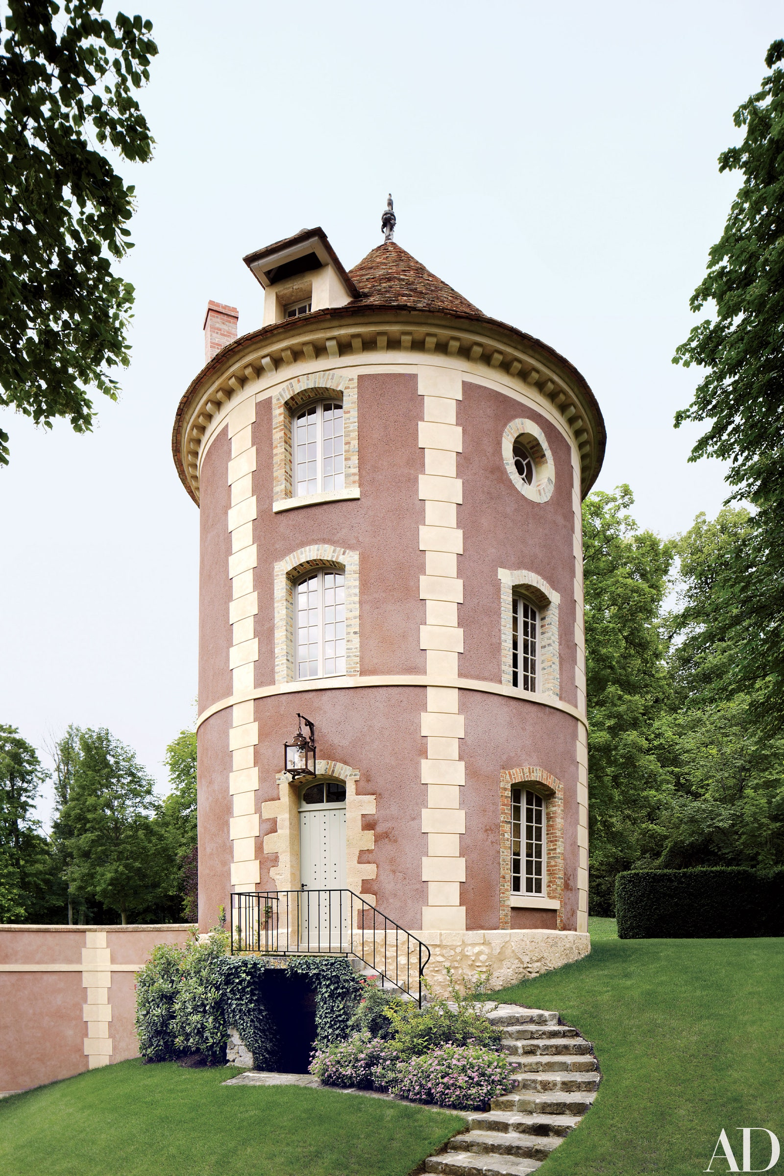 At Home With | Places: Valentino Garavani's Château de Wideville, France