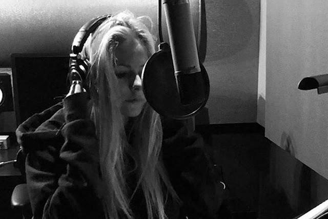 Avril Lavigne confirma con seguridad música nueva para verano de 2021