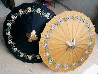 Payung Geulis dari bahan kain