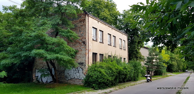 Warszawa Warsaw warszawskie ulice Praga Południe warszawskie ulice olszynka grochowska architektura architecture opuszczone