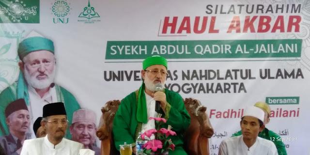 Syeikh Fadhil Al Jailani: Tidak Benar Ulama Tasawuf Kerjaannya Hanya Memutar Tasbih