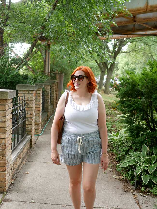 easy summer mom outfit idea