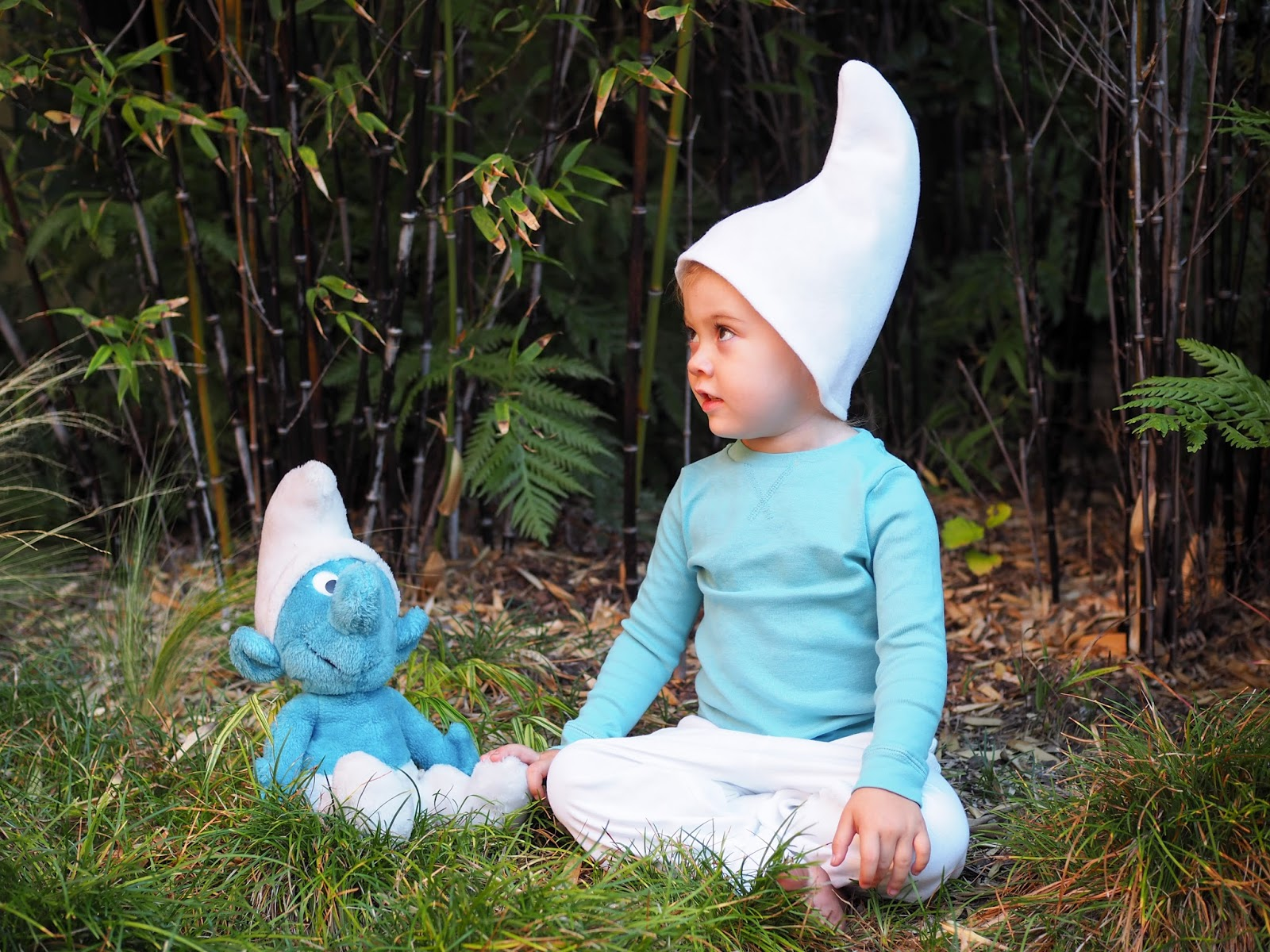 The rest of this costume is simply clothes that your child may already have in their closet or which can be found easily in stores or online.  sc 1 st  Little Hiccups & Little Hiccups: Last Minute Halloween DIY: Smurf Costume