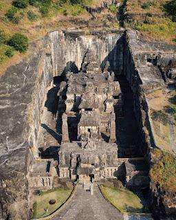 सिंगल रॉक से बना 1200 साल पुराना कैलाश मंदिर | 1200 Old Kailash Temple Carved Out of Single Rock