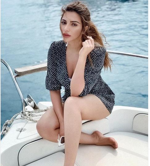 Shama Sikander sexy bikini photos Bold look