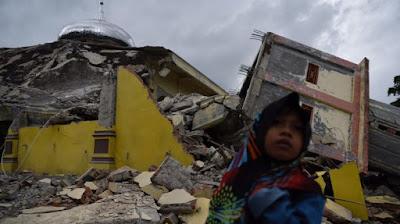 Gempa Aceh Pidie Jaya Dokter bedah terbang dari seluruh Indonesia, bawa alat sendiri, obat sendiri
