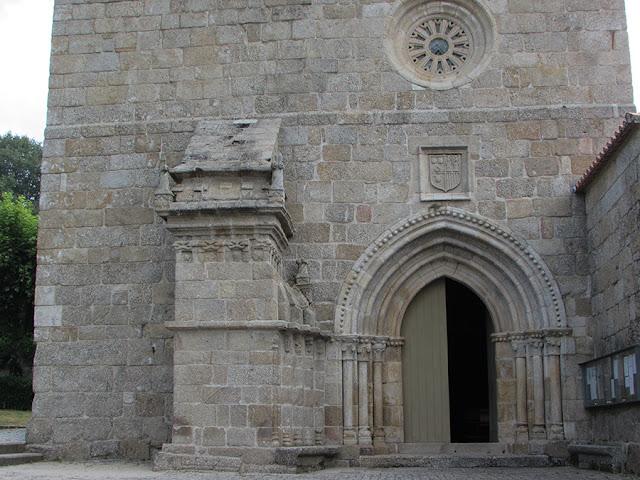 FAchada do Mosteiro de São Pedro de Cetê