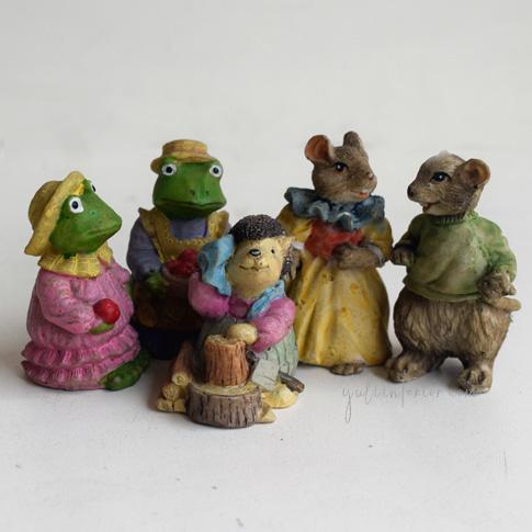 Buy cute ceramic figurines in Port Hracourt,Nigeria