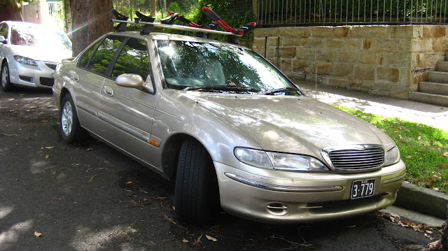 Aussie Old Parked Cars 1998 Ford El Fairmont Ghia