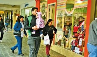 – Comercio: tanto los locales ubicados en el centro sanjuanino como los distintos shoppings abrirán sus puertas con normalidad el día lunes.