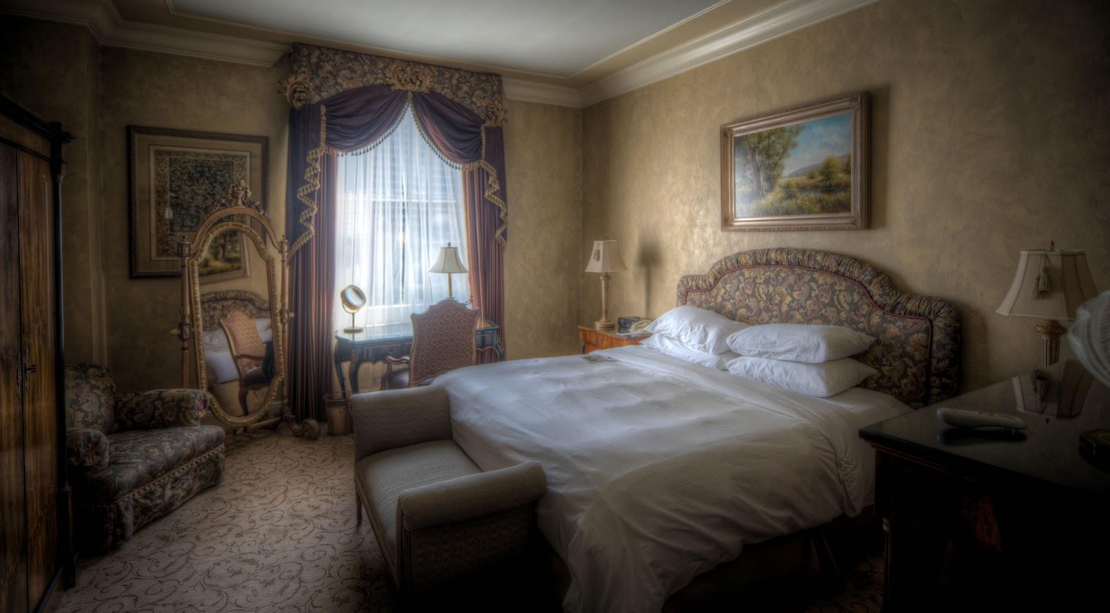 Hotel Mewah (Luxury Hotel)