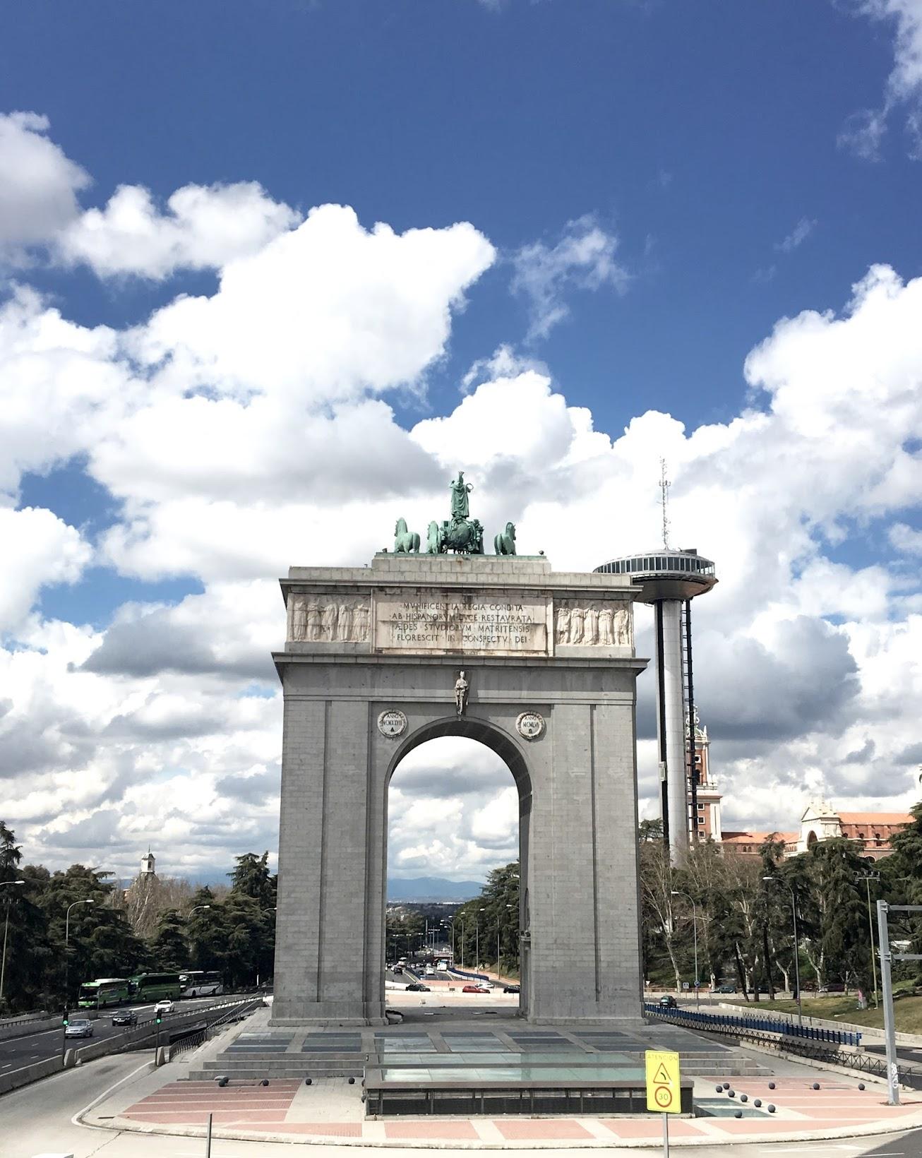 Puerta de Moncloa