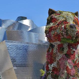 Mantenimiento del manto vegetal de Puppy, la gran mascota del Museo Guggenheim Bilbao