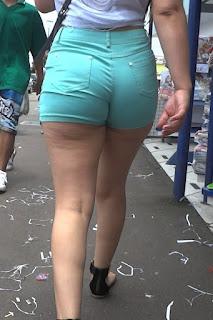 Chava ricas nalgas piernas shorts apretados