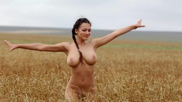 взгляните колхозница голая фото умер