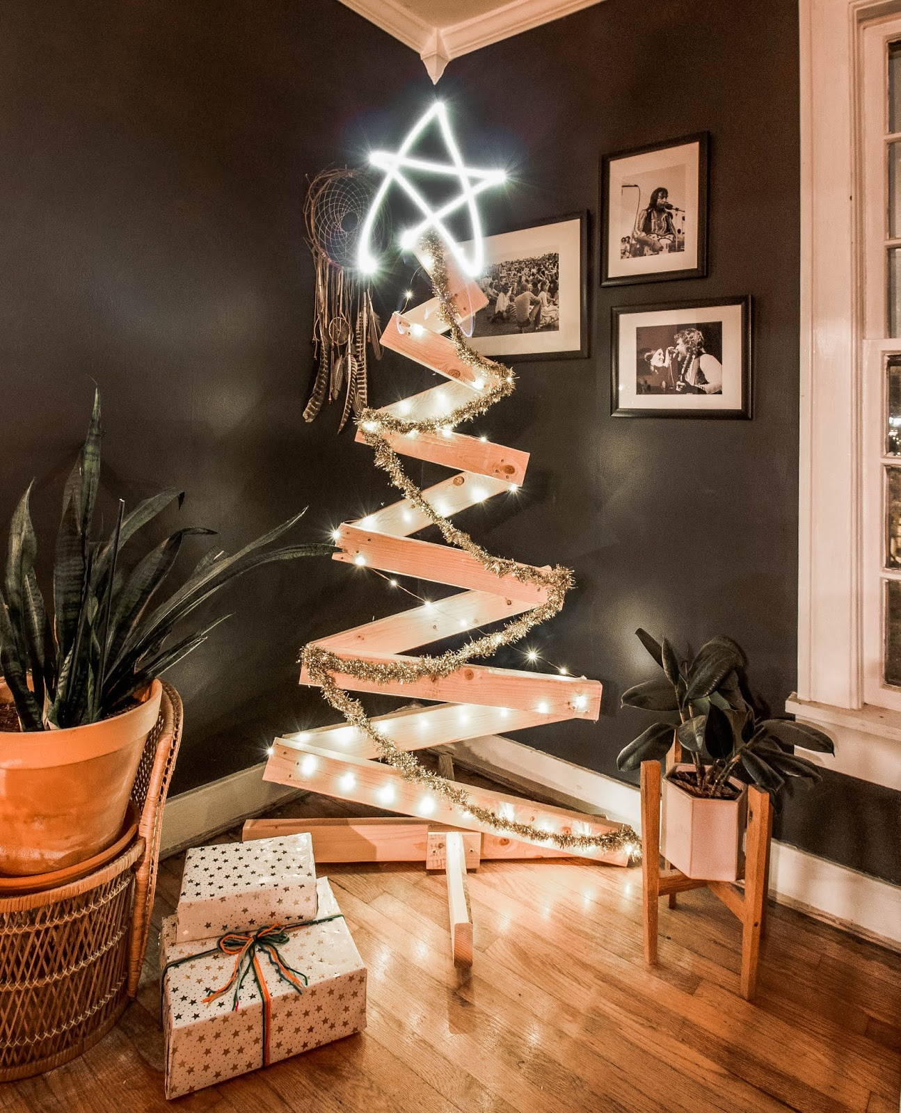 Christmas Tree From Wood: DIY Minimal Wooden Christmas Tree