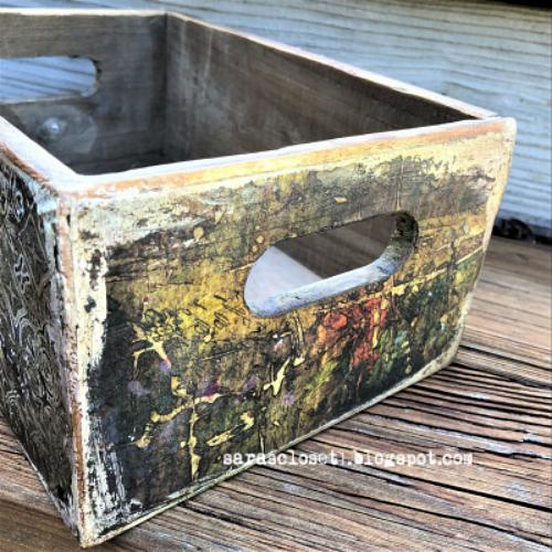 Sara Emily Barker https://sarascloset1.blogspot.com/2019/09/abandoned-storage-box-for-vintage.html Altered Storage Box 4